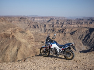Motocyklem roku 2020 je Honda Africa Twin Adventure Sports