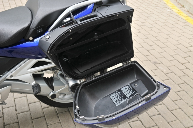 road test motorcycle bmw r 1200 r autos post. Black Bedroom Furniture Sets. Home Design Ideas
