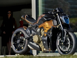 Ducati Panigale V4 jako streetfighter ... 74882f3d3a