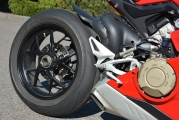 1 Ducati Panigale V4 test (19)