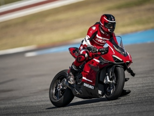 Ducati Superleggera V4: superlehká, supervýkonná