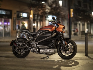 Harley-Davidson LiveWire 2019  elektrický cruiser ... e61ef88ee0