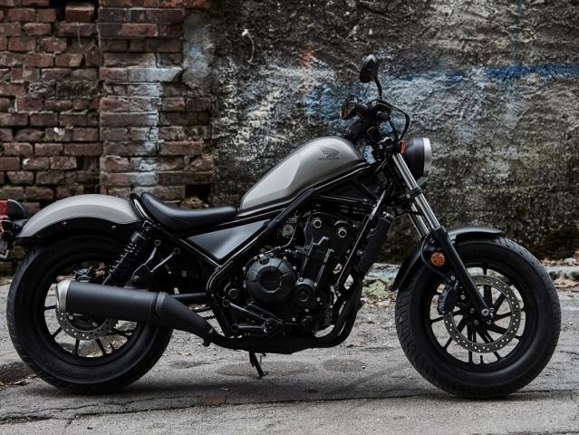 2458536d338 ... Hlavní obrázek k článku  Honda Rebel 500  jednoduchý a syrový