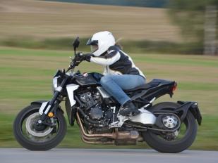 Test Honda CB 1000 R Plus  nahatý chuligán ... e875738694