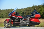 1 Honda GL1800 Gold Wing Deluxe 2015 test05