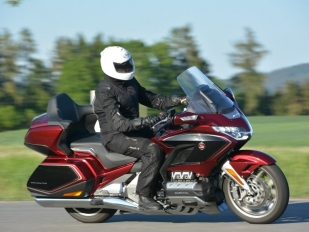 Test Honda GL 1800 Gold Wing DCT Tour: S goldwingem mezi goldwingáře