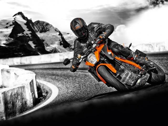 Hlavní obrázek k článku  KTM Super Duke 1290 R  Držte si klobouky c19da2fa00