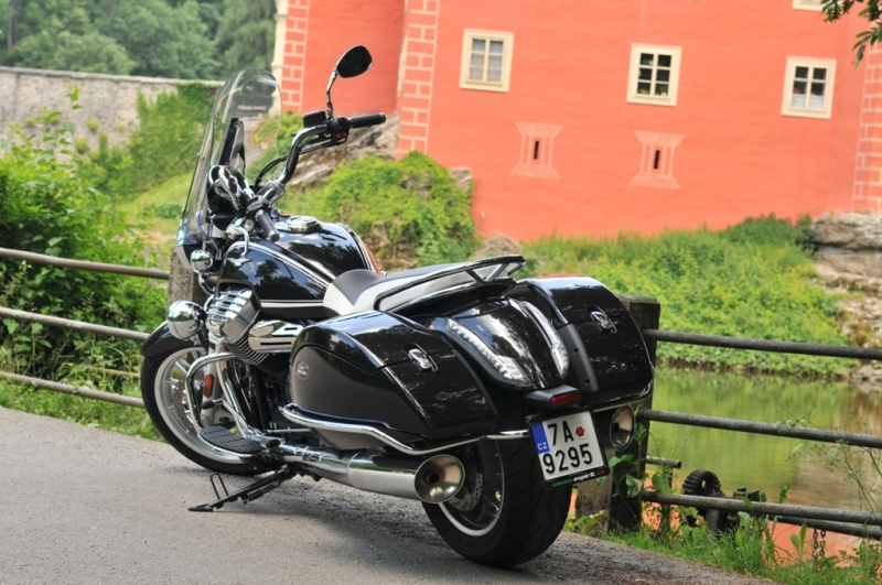Test Moto Guzzi California Touring ABS/TC - 8 - California 2 Moto Guzzi California 1400 Touring17