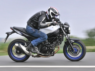 Test Suzuki SV 650 ABS 2016: Sporty V-Twin