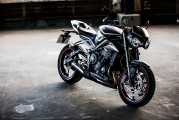 1 Triumph 765 Street Triple RS (1)